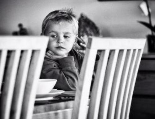 Consejos para padres: cómo conseguir que tu hijo coma bien.